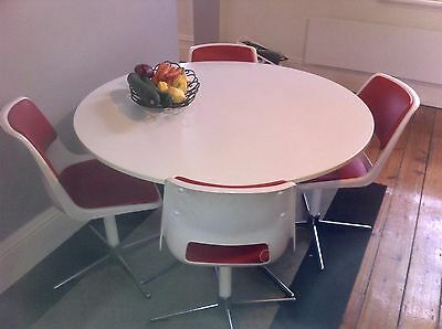 70's round Kitchen table and 4 chairs
