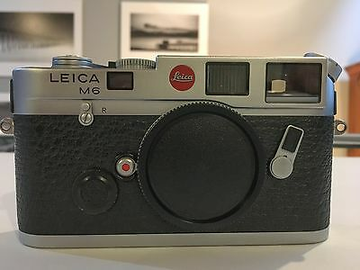 Leica M6 (Classic) 35mm Chrome Rangefinder Film Camera - Body Only