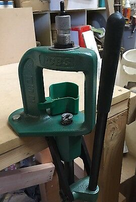 RCBS-RS-2 Single Stage Reloading Press W/ Primer Catcher