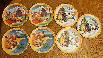 Lot of 7 Vintage 1977 Ronald McDonald Plastic Dinner Plates