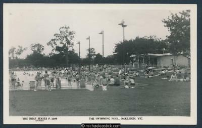 Oakleigh, The swimming pool