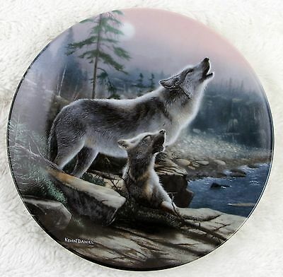 """Wolf & Puppies """"Howling Lesson"""" Call of the Wilderness Plate - COA 84-K41-129.2"""