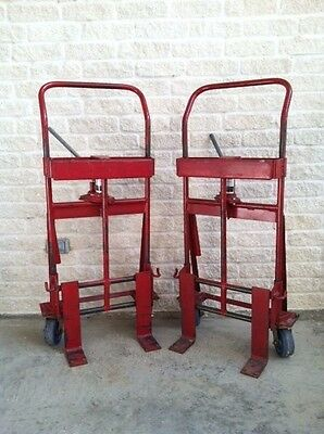 Rol-A-Lift M-2 Skarnes Mfg. Priced For Set Of Two Lifts. Have 13 Sets Of Two