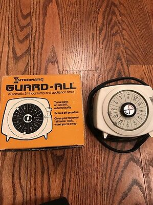 """VINTAGE """"GUARD-ALL LAMP & APPLIANCE TIMER"""" MODEL #HT-150  In Box"""