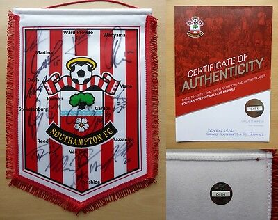 2015-16 Southampton Squad Signed Pennant with Official COA (10215)