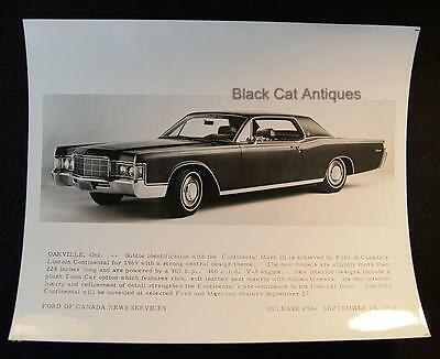 Early Release 1968/69 Ford Of Canada B & W Glossy Commercial Photo - Continental