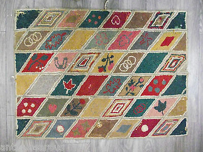 """ANTIQUE HOOKED RUG 36""""  x 28"""" MAPLE LEAF WEDDING BAND  GREAT VARIETY OF COLORS"""