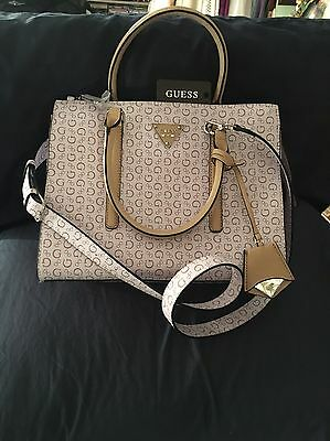 NWT AUTHENTIC GUESS