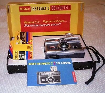 Vintage Kodak Instamatic 304 camera in box