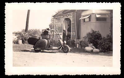 BIKER KITTY CAT RIDES TRAILER PARK MOTORCYCLE SCOOTER ~1930s VINTAGE PHOTO!