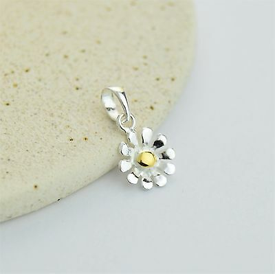Solid 925 Sterling Silver Dainty Daisy Flower Pendant / Necklace