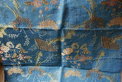 18Thc Continental Hand Woven Silk Brocade In A Vertical Lacy & Floral Design