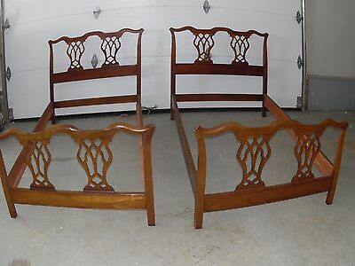 NICE PR. VINTAGE SOLID MAhogany TWIN SIZE BEDS