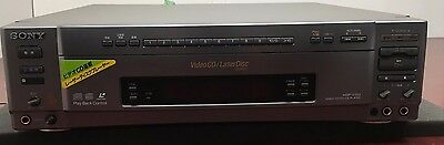 Sony Mdp-V70G Cd / Laser Disc Player [Japan Imported]  Mint Condition In Box .
