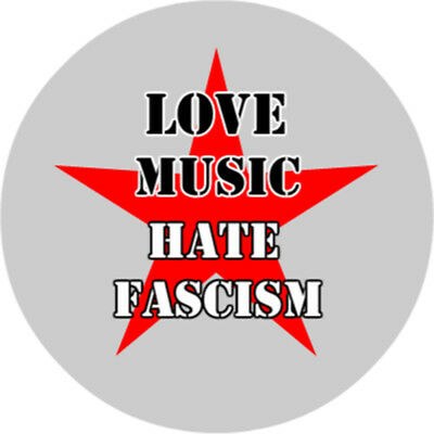 Button 25mm - Love Music Hate Fascism