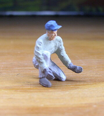 Detailed Wheel Worker Kneeling Metal Pewter Figure O / S Scale Train Layout