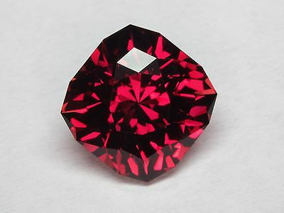 Rhodolite Garnet - Deep Vibrant Red - 4.14 Carat - Natural - Precision Cut
