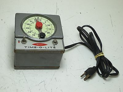 Master Time-O-Lite Industrial Timer Model M-72, Darkroom - Powers On