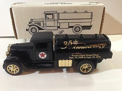 1993 Ertl Texaco 35th Anniversary Texaco Puget Sound Plant Tanker Truck Bank