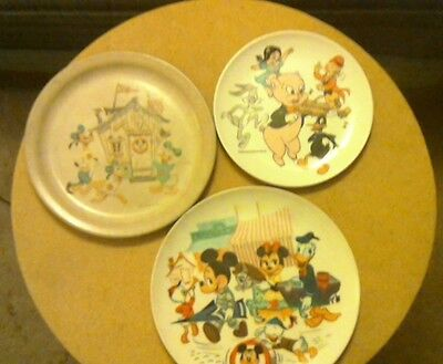 Vintage cartoon 3 plates Disney and Warner Brothers characters good condition
