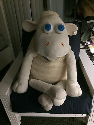 Large Serta Sheep