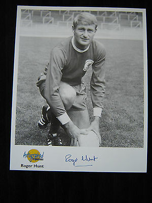 ROGER HUNT (Liverpool) Signed photo_Westminster Collection_Genuine autograph