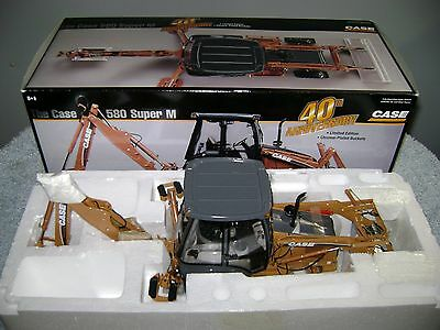 Ertl 1/16 Case 580 Super M  40Th Anniversary Le Precision Backhoe
