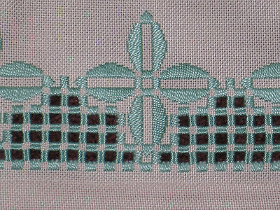 Stunning Antique VTG Norwegian Hand Embroidered Hardanger Lace Doily Table Cloth