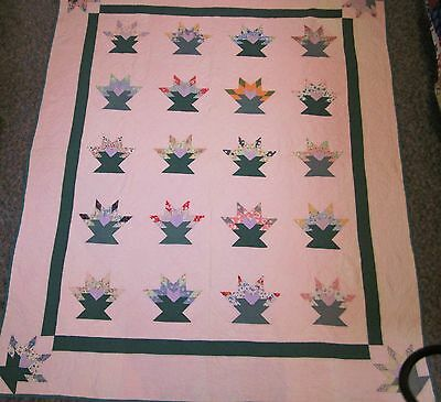 """Vintage Quilt Basket Pattern 85"""" X 71"""" Expertly hand quilted"""