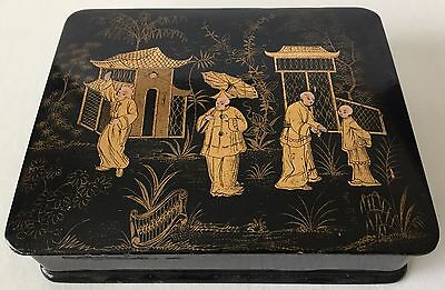 ANTIQUE CHINESE BLACK LACQUER BOX WITH FINE CHINOISERIE DECORATION, 19TH c.