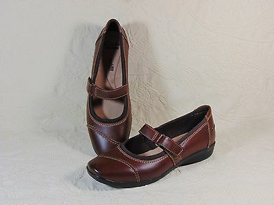 Clarks Womens Mary Jane Style Shoes Size 8 M