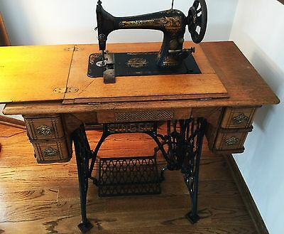 1900 Singer Treadle Sewing Machine w/ table, legs, treadle & all drawers!!