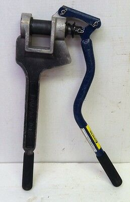 """Current Electric 141 Metal Stud Hole Punch 1 11/32"""" Conduit #1"""
