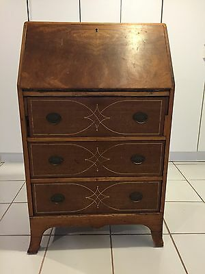 Secretary Desk In Federal Style W/ Slant Front & Drop Leaf Desk. Light Wood Tone