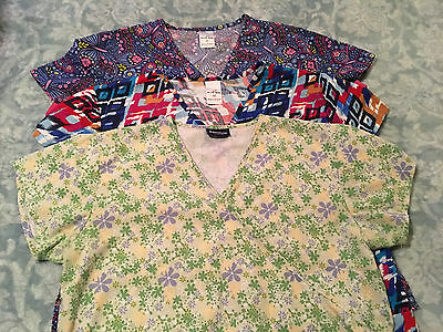 Womens M Medium Lot of 3 Movie Star 2 & Absolute 1 Scrubs Scrub tops Excellent
