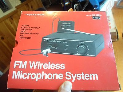 Realistic - FM Wireless Microphone System - Model 32-1221A