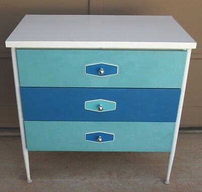 MID CENTURY MODERN CHEST OF DRAWERS DRESSER by VISTA OF CALIFORNIA