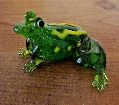 "Hand Blown Green & Yellow Glass FROG Figurine Art Glass Collectible 2"" X 3"" X 1"""