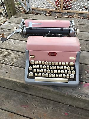 Vintage Pink Royal Quiet De Luxe Portable Typewriter tested, working, model #?