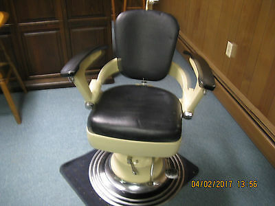 Vintage Dentist Chair/ Tattoo Pallor Chair 1930