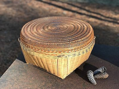 Vtg Mid Century Chinese Splint Bamboo Woven Basket Large Round Lid Arts & Crafts