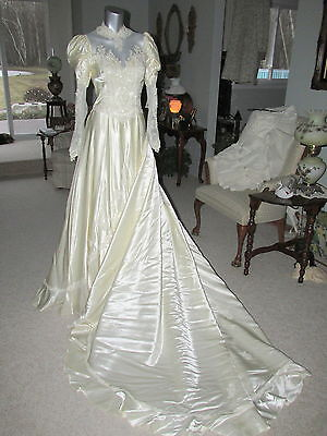 Vintage Candlelight Liquid Satin Wedding Dress Gown