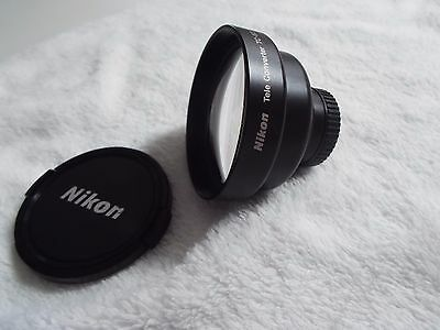 Nikon Tele Converter TC-E2 2X  both front and rear lens caps with pouch