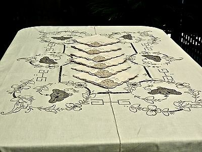 Beautiful Hand Crafted Vintage Madeira  Ecru Linen Tablecloth W / Napkins
