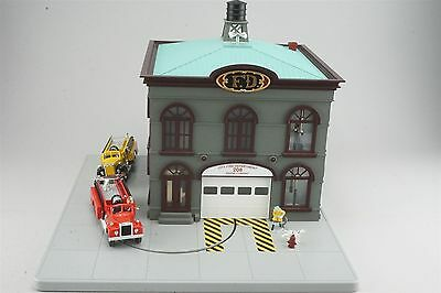 O Scale MTH Rail King 30-9112 Operating Fire House Gray w/ Sound & Fire Truck