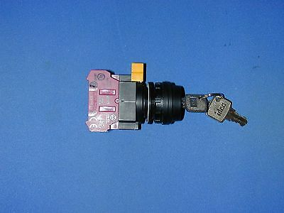 IDEC HW1K-2AF11 Key Switch NWOB