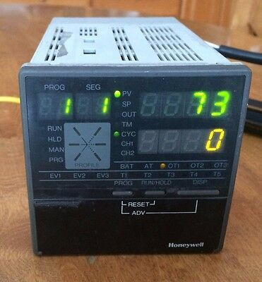 Honeywell Dcp301 Digital Programmable Control P301-5G-0-Es-00-1-00