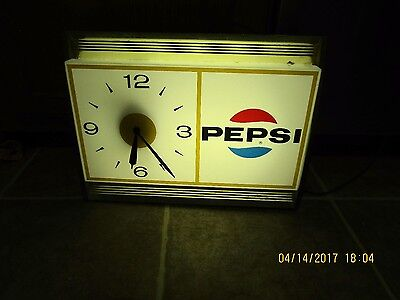 Vintage Pepsi Clock Works Great!