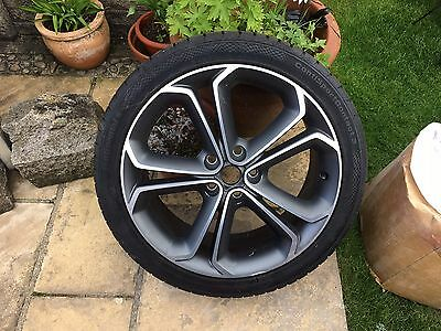 "Vauxhall Zafira C Tourer 19"" Alloy Wheel And Tyre"
