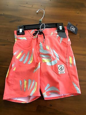 NWT, Volcom swim board shorts boys size 4,6 or 7